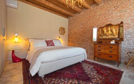 Stanza Anita, spaziosa ed elegante a Rovigo presso 28 alla Rotonda